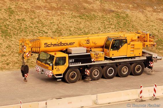 Der Kran für den Kran KB 750. ( wirkt wie ein Spielzeug zum KB 750) 13.04.2008 - Fahrzeugbilder.de