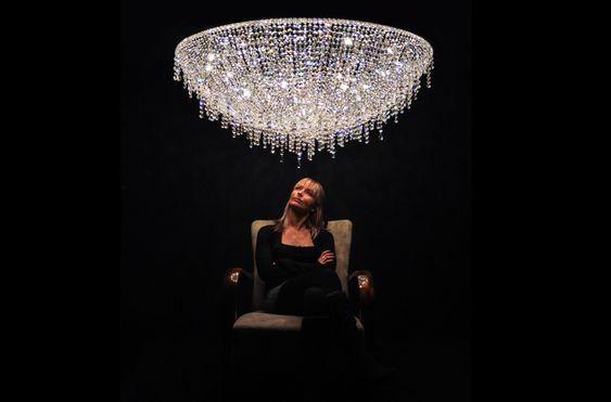 Manooi Contemporary chandelier |hande made iceberg| Lampade di lusso| fatti a mano| design italiano| #idee di arredo #lampade di cristallo  Vedi di piu http://www.spazidilusso.it/