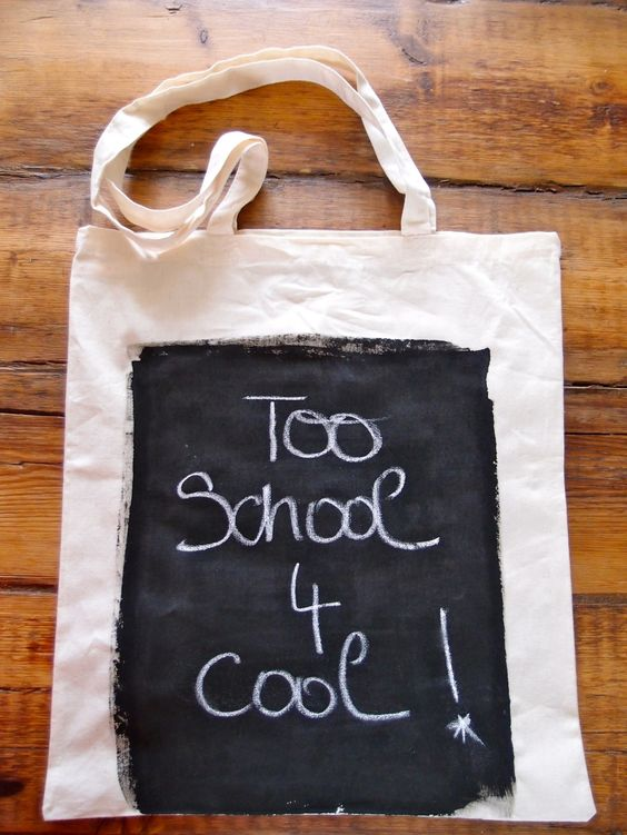 """This DIY chalkboard tote from ClonesnClowns.wordpress.com will definitely """"make a statement"""" with any back to school ensemble!"""