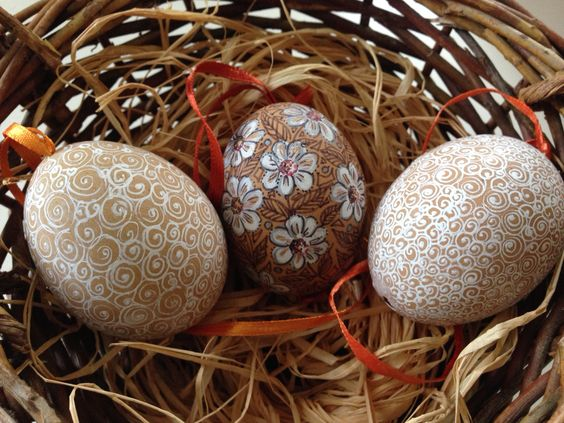 Gabriele Starke: Painted eggs using Sharpies