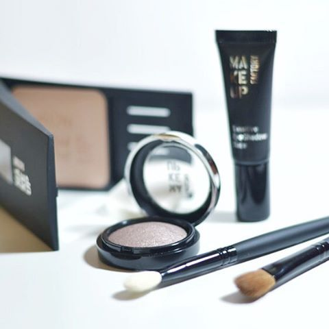 easy going daily eye make up with Make Up Factory www.bibifashionable.at