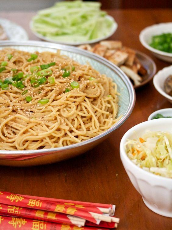 How to: Host a Noodle Bar Party: Peanut Noodles, Peanut Sauce Recipes, Party Idea, Bar Party, Bgsk Peanut