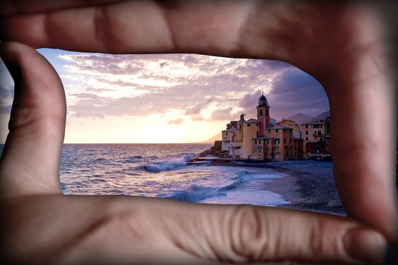 """Ever see movie directors """"frame"""" a scene by holding their hands up and making a rectangle with their fingers? It actually does help to figure out what's worth keeping in the frame. If your view improves when your hands are covering something, make sure to leave it out of your photo."""