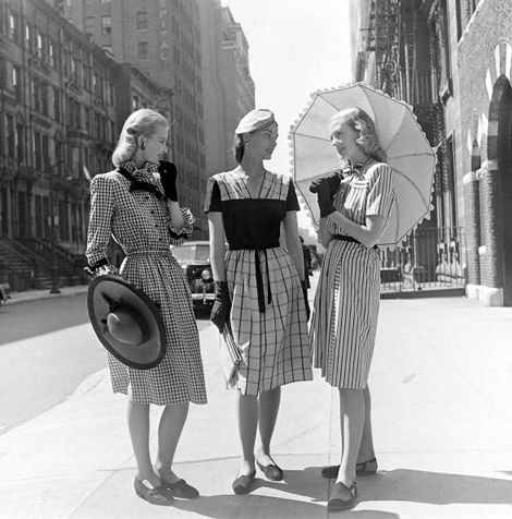 LIFE Magazine, 1940's, photo by Nina Leen. these ladies have such style! - Vintage Street style: