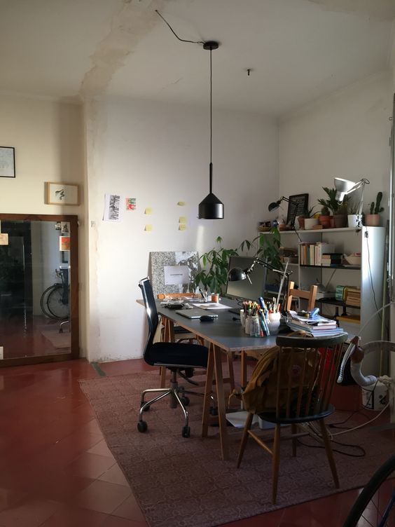 Studio. Still caos