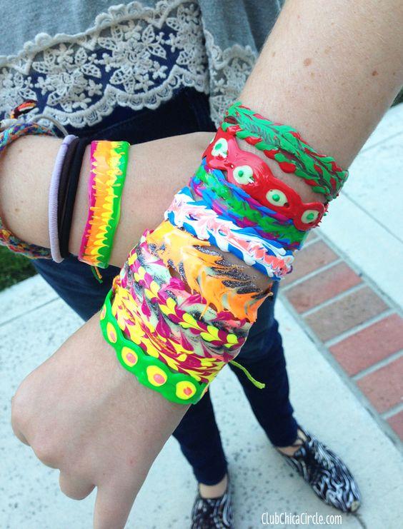 Puffy Paint Friendship Bracelets - AMAZING! #diyjewelry #friendshipbracelets
