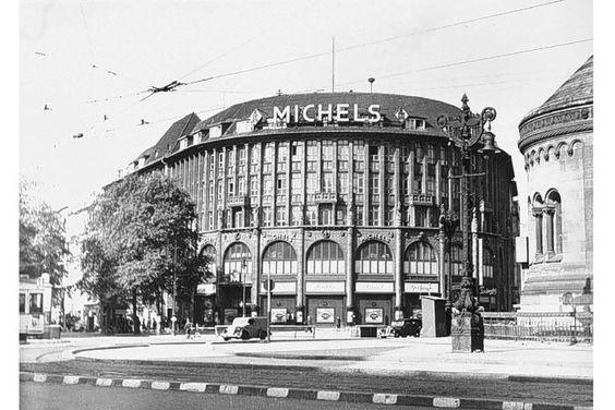 Auguste-Viktoria-Platz,Stoffhaus Michels, 26.5.1943, links: Rankestraße 1, rechts: Kurfürstendamm 2