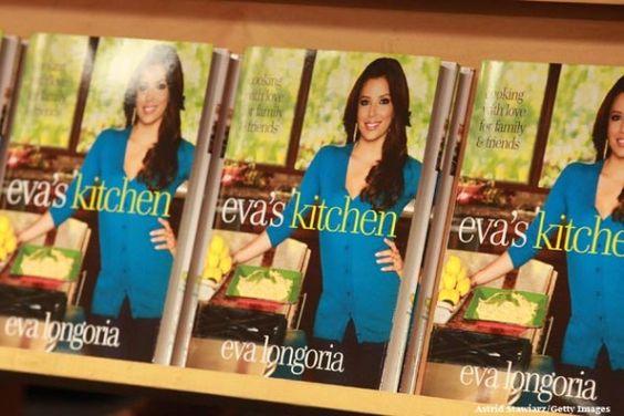 5 famosos que escribieron libros de cocina y no lo sabías