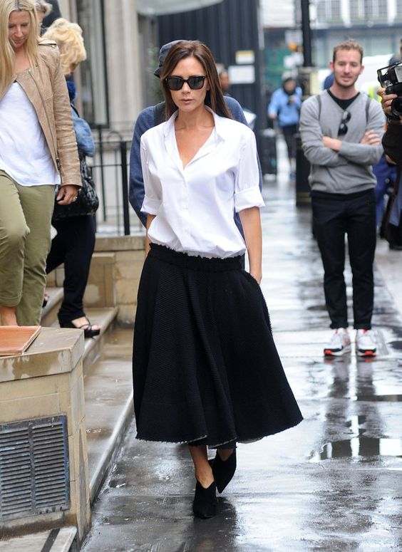 Pin for Later: 18 Times Victoria Beckham Proved to Us That She's the Boss She Knows How to Make a Slouchy, Oversize Outfit Look Crisp and Clean