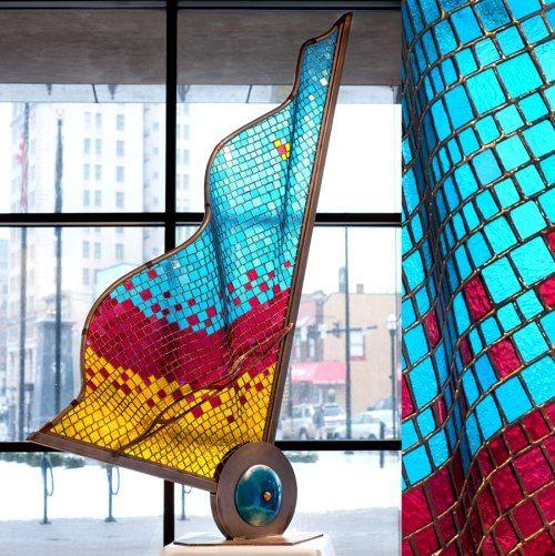 Dan Neil Barnes - glass sculpture: