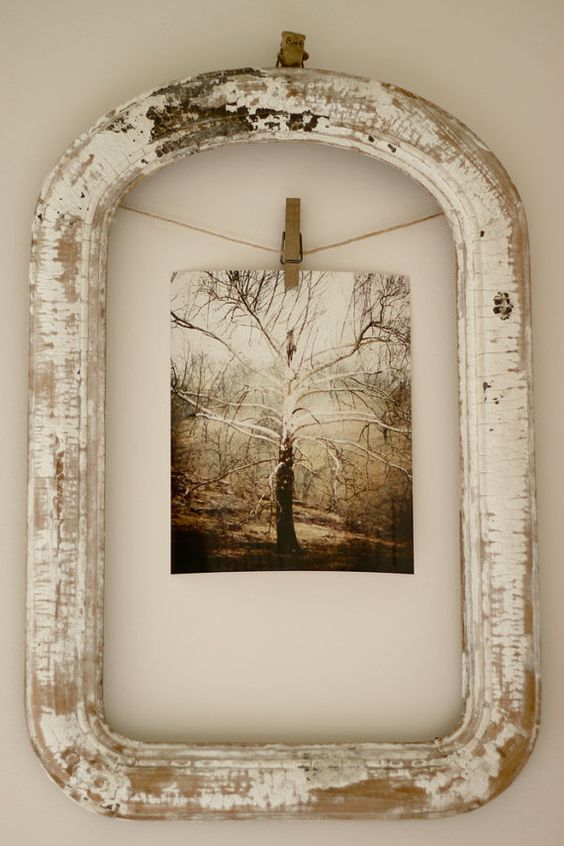 cute way to use an old frame