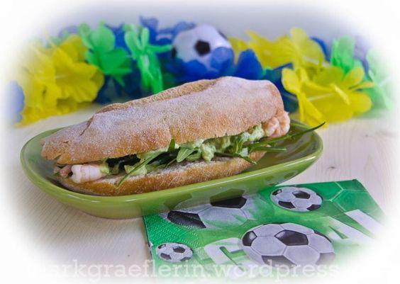 8. Juli 2014 by Karin Schindler Brazil Sandwich Krabben3  Sanduíche do Brazil – mit Crevetten, Rucola und Avocado-Limetten-Schmand  Als...