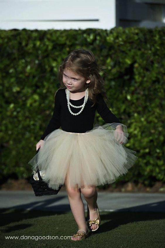 20 fotos de crianças estilosas em festas de casamento: