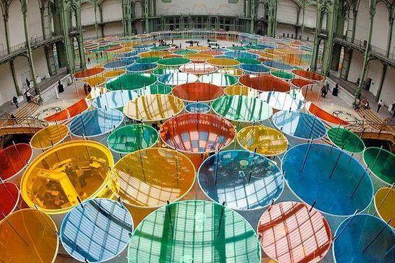 lenti a colori ( Daniel Buren, Parigi : Excentriques )