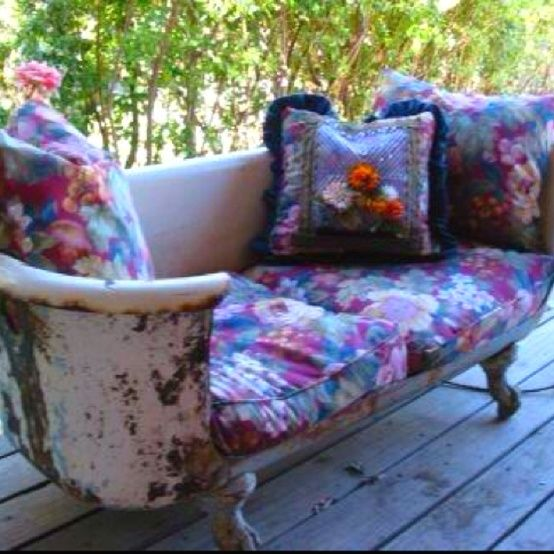 Bath Tub to SOFA... always wanted one since I watched the movie Breakfast at Tiffany's ...