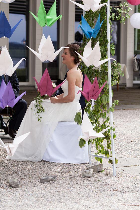 Origami Schwäne für interkulturelle Hochzeite am Starnberger See  #freie #trauung #hochzeit #wedding #diy #low #budget #strauß #fliege #münchen #bayern #interkulturell #blog #braut #origami  #hochzeitsredner