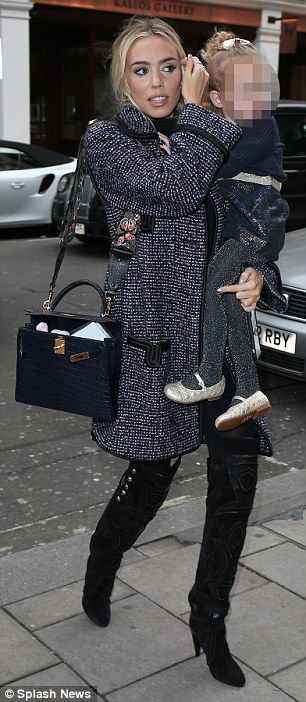 Tamara Ecclestone steps out to celebrate sister Petra's 27th birthday | Daily Mail Online