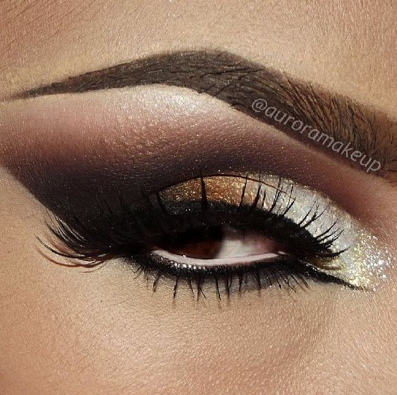 Hues Of Earth Smokey Eye w Cat Eye-Line on Inner Eye & Touch Of Pearlescent White To Highlight & Finish The Look