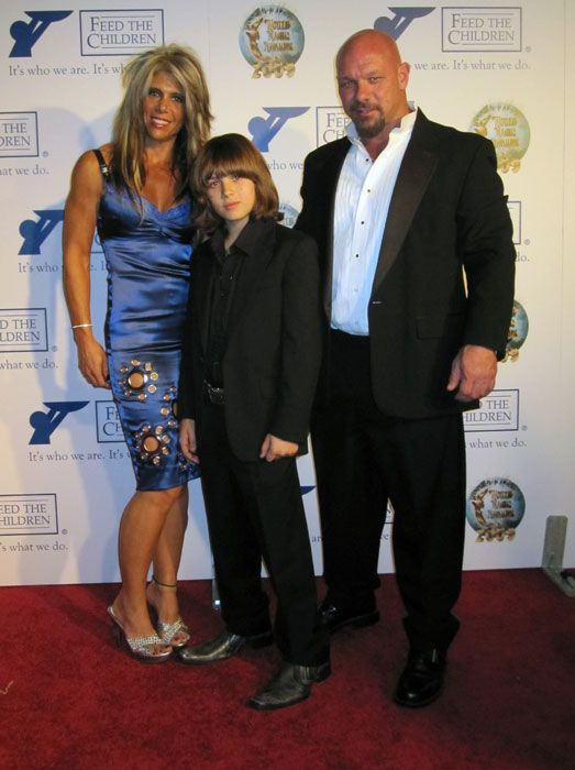 Leo Howard And His Family   www.pixshark.com - Images ... Leo Howard And His Dad