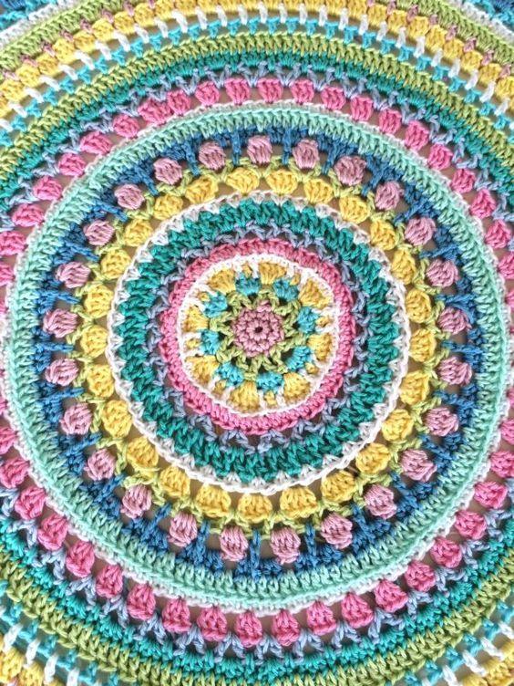 Fast Fertig Hakeln Mandala Muster Hakelmandala Teppich Hakeln