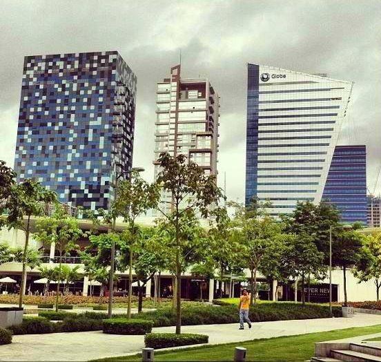 Great landscape and cool building designs at bonifacio for Great landscape design