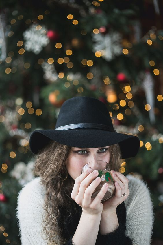 Lights, sweaters, cocoa & family!!