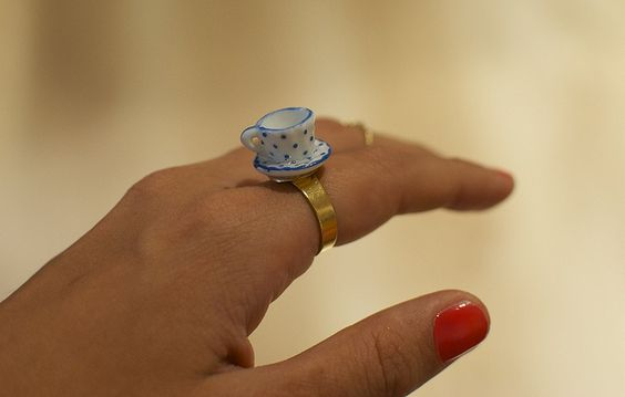 well isn't this adorable? Make a teacup ring