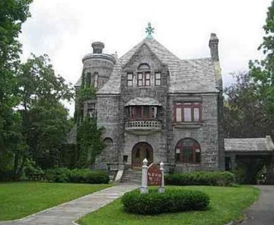 United states castles and foxs news on pinterest for 10 thurlow terrace albany ny 12203