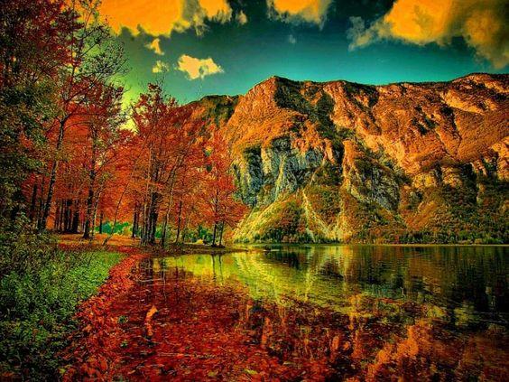 Mountain lake in autumn....