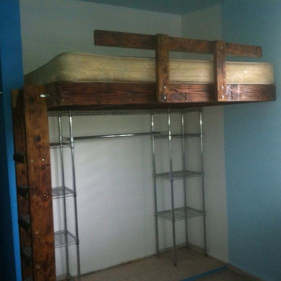 Cama alta cama arriba espacio abajo pinterest for Cama con cama abajo