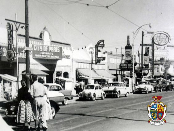 Turismo en Ciudad Juárez te platica ¿Cómo era esta ciudad en los 50's?  En esta hermosa ciudad una de las principales avenidas era la Juárez, donde había restaurantes, tiendas, cines, bares y sobre todo una magnífica vida nocturna. www.turismoenchihuahua.com