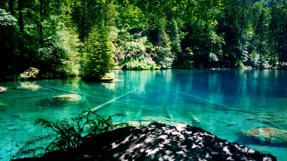 Blickfang: Der Blausee im Berner Oberland / The blue lake in Bernese Oberland ©M. Findling