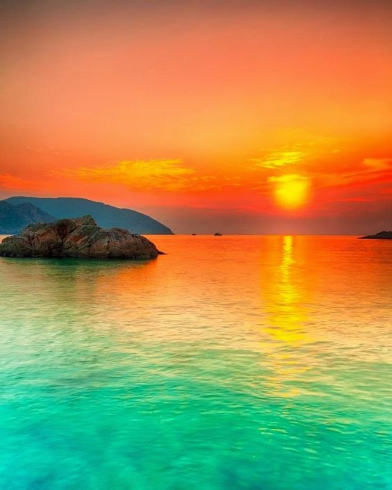 Fiji Beauty will become when every color mixed with each other.Result is nature's color..very refreshing to the eyes..calming to the soul.Love it!
