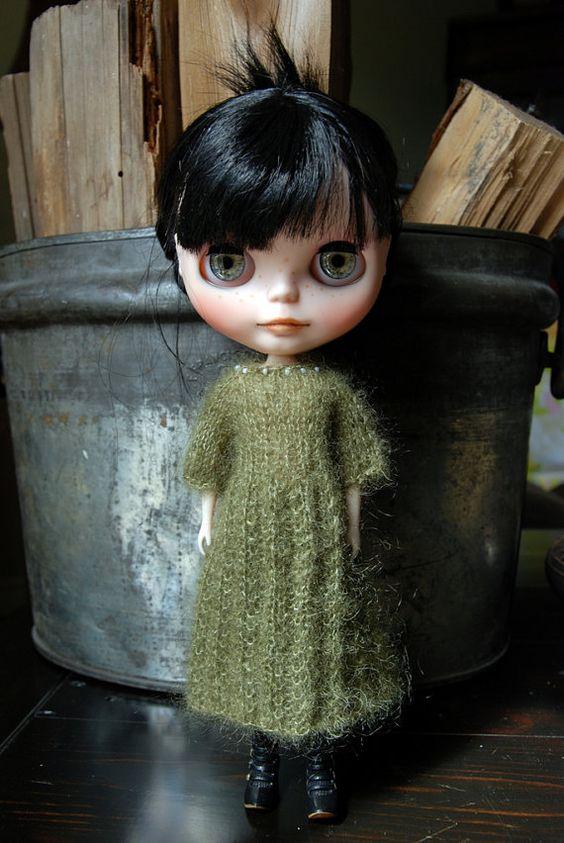 Blythe Puppe gestrickt, Mohair und Seide Mischung Kleid
