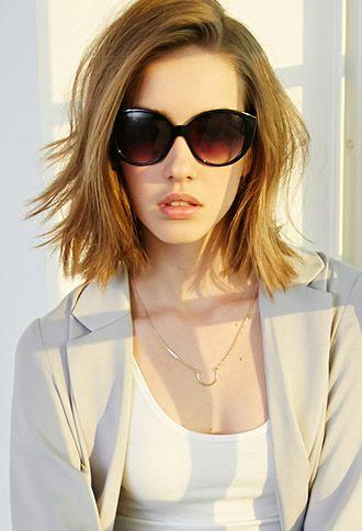 A propaganda é dos óculos, mas amei o cabelo!!! Oversized Wingtip Sunglasses | FOREVER21 |