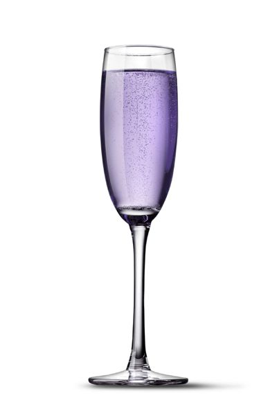 A few drops of raspberry syrup in your champagne and voilà - Purple signature wedding champagne!: