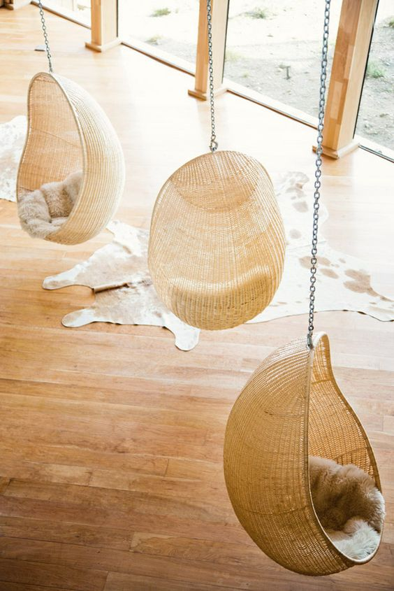 Swing chairs fur and swings on pinterest - Second hand egg chair ...