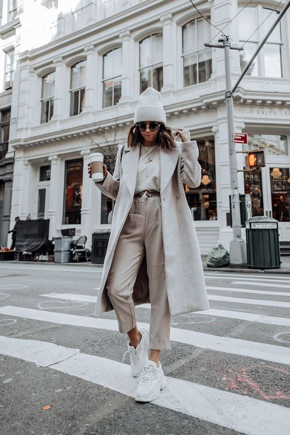 Tiffany Jais fashion and lifestyle blogger of Flaunt and Center | NYC fashion blogger | Layered neutrals | Streetstyle blog