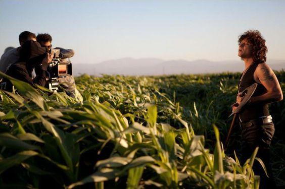 """""""Bunbury y el videoclip (no fue bueno, pero fue lo mejor)"""" ¡Más en el blog! http://icarolavia.blogspot.com.es #bunbury #palosanto #másaltoquenosotrossoloelcielo"""