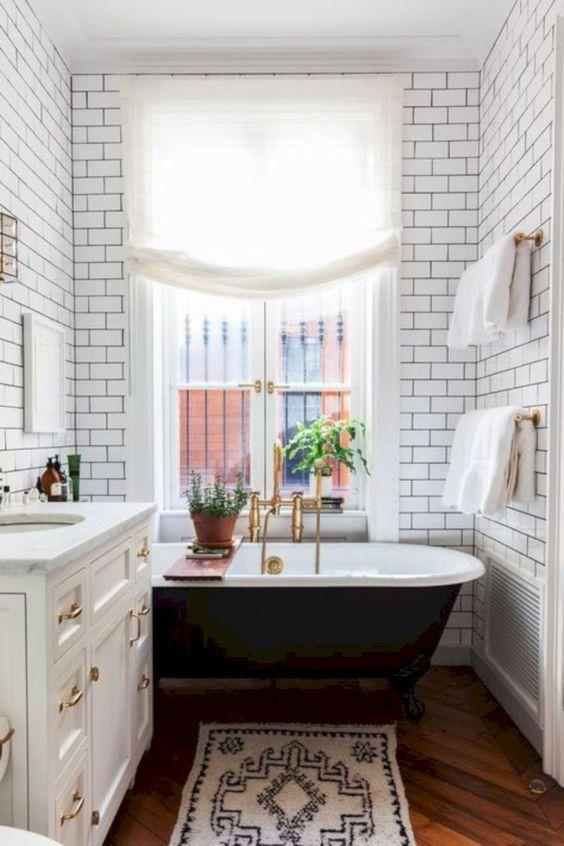 50 Badezimmer Ideen Mit Gold Beruhrt In 2020 Style At Home Badezimmerideen Trautes Heim