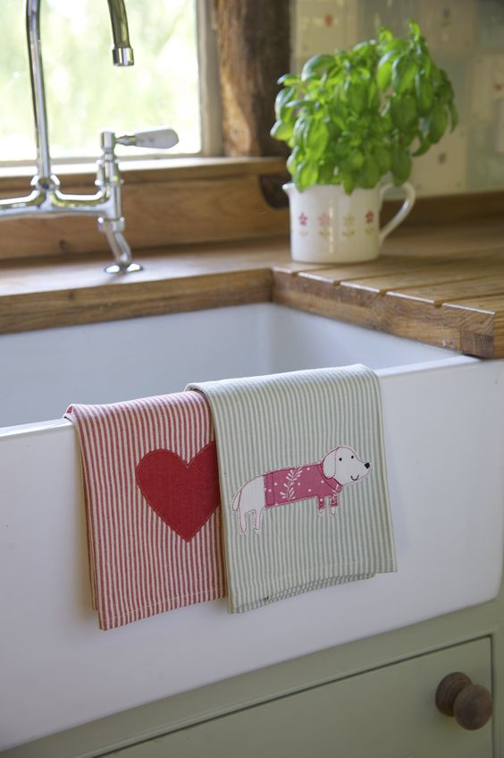 Tea towels from http://www.susiewatsondesigns.co.uk