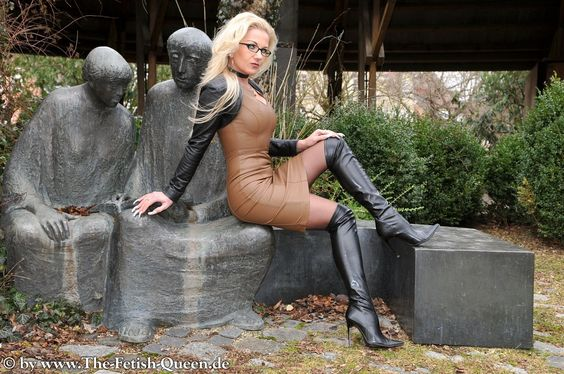 Heike - the Fetish Queen - Boots Vids Collection !