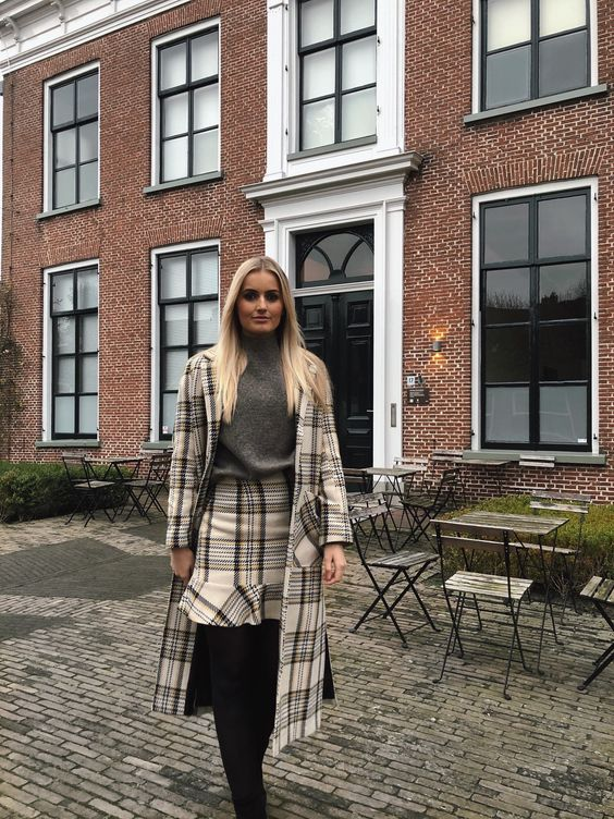 Edited official / Edited Girls  Tussenmantel Graham van Edited  Ebba Rok van Edited  Knit from H&M   #editedgirls