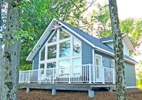 Cedar homes the sebright just awarded the distinction of for Cottage packages manitoba