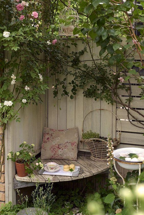 Big Garden Garten Garden It Can Be Challenging To Get The Correct Combination Big Challenging In 2020 Cottage Garden Patio Garden Nook Cottage Garden Design