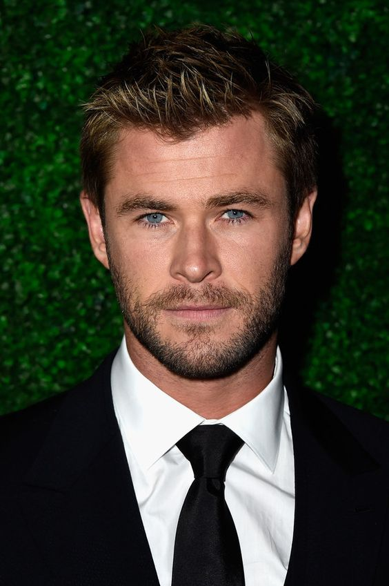 And then you look at Chris Hemsworth and Oh My God you realise his beard was crafted by the hands of angels in heaven. | 19 Celebrity Beards That'll Sexually Awaken You