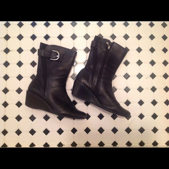 Black Boots - Rockport Rockport leather boots with silver buckle. Rockport Shoes