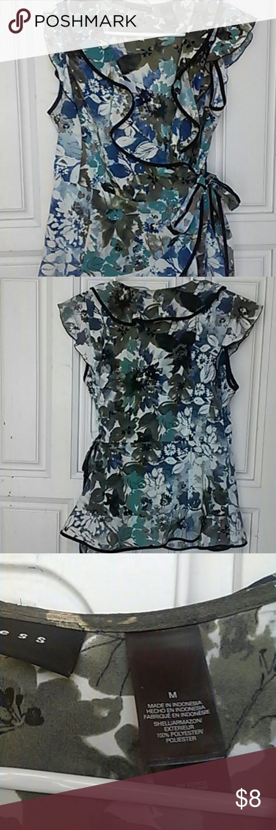 Wrap Axcess blouse. Blue and green flowers with black on all edges of blouse. Wraps around with belt. Great work shirt or a night on the tow. Axcess Tops Blouses