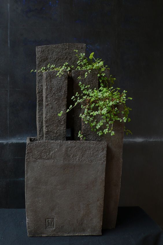 grès noir. Stéphane Lesourt. http://slesourt.free.fr/