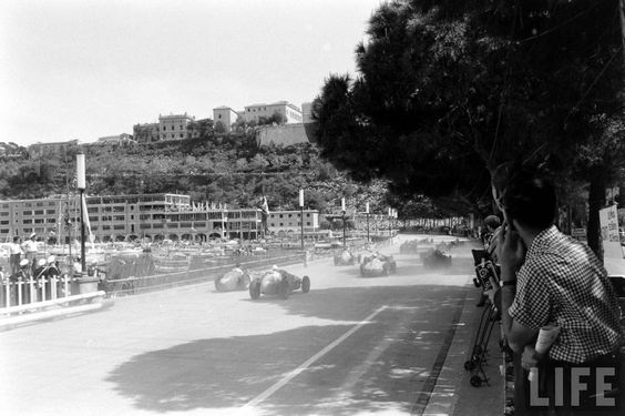 Race won by Stirling Moss (GBR) (Officine Alfieri Maserati), followed by Peter Collins (GBR) (Scuderia Ferrari) and Jean Behra (FRA) (Officine Alfieri Maserati). 1956 Monaco Grand Prix, Circuti de Monaco